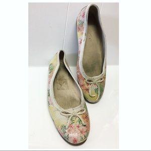 AEROSOLES | Floral Tile Print Flats EUC
